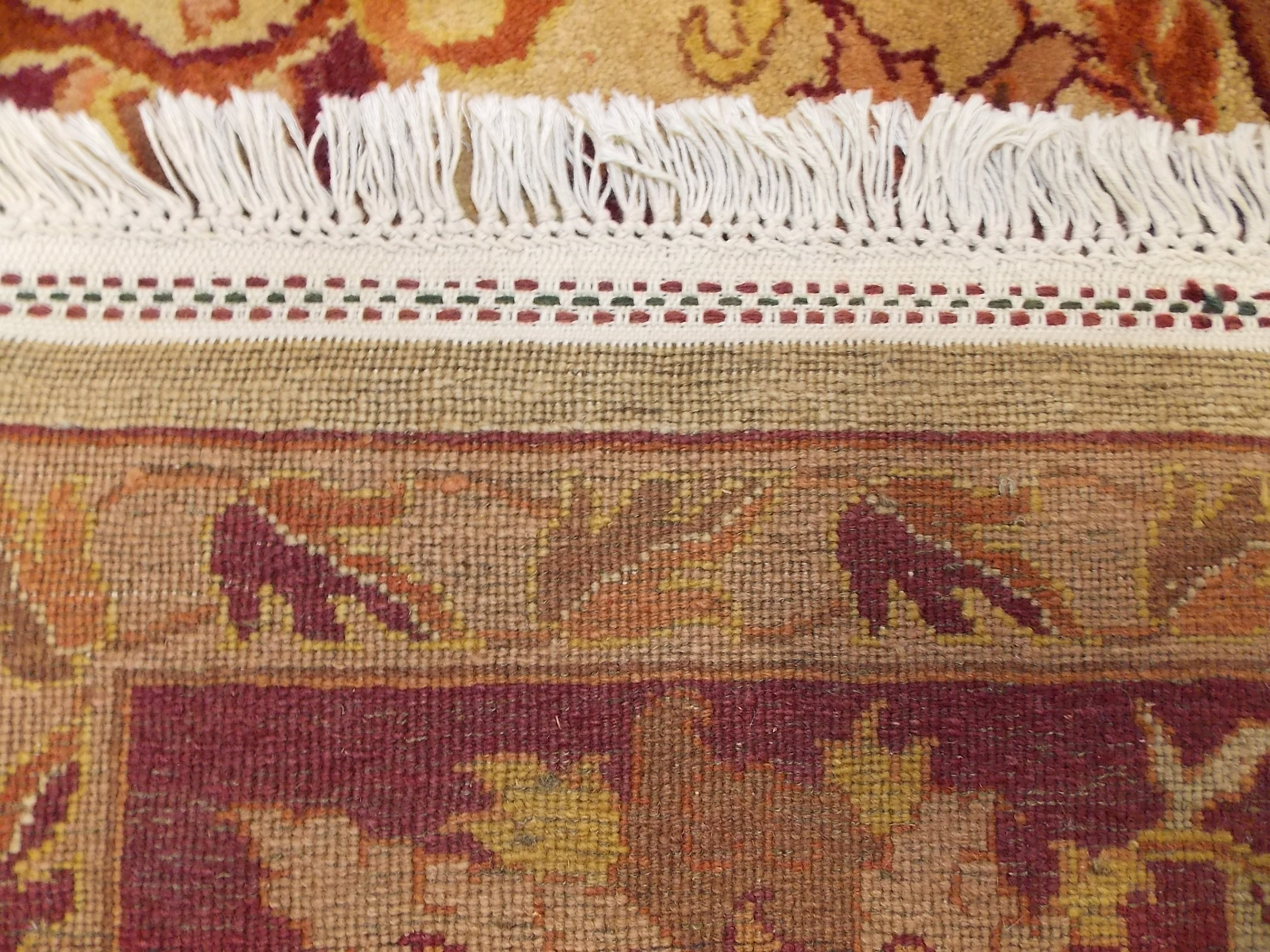 The Difference Between Hand Made And Machine Rugs